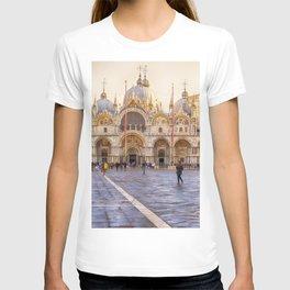 Saint Mark's Basilica, Venice (Italy) T-shirt