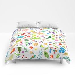 Leaves, berries, birds and flowers Comforters