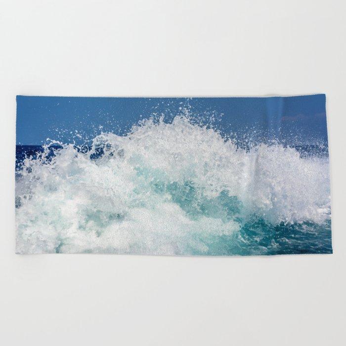 Crashing beautiful waves Beach Towel