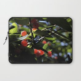 Jane's Garden - Sunkissed Red Berries Laptop Sleeve