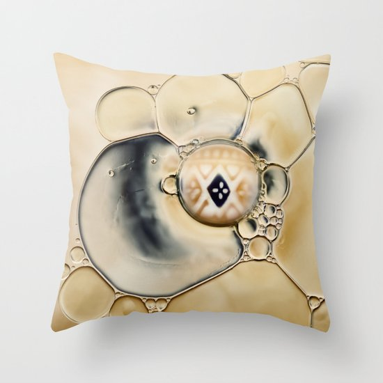 oil and water abstract Throw Pillow