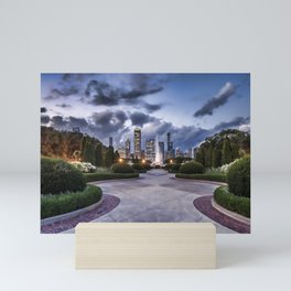 Chicago's Buckingham fountain and gardens Mini Art Print