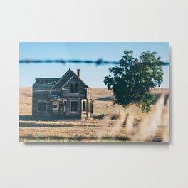 Abandoned Farmhouse in Dufur, Oregon Metal Print
