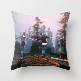 Life Is Strange 12 Throw Pillow