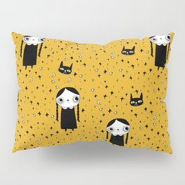 goth girl with her cat Pillow Sham