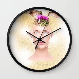A garota com uma flor na cabeça e dois colibris Wall Clock