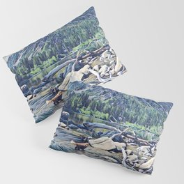 Golden Retriever. Mountain Lake Trail Pillow Sham