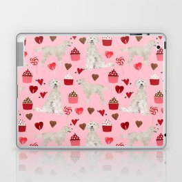 Golden Doodle dog breed valentines day art pattern dog gifts for dog lovers hearts and cupcakes Laptop & iPad Skin