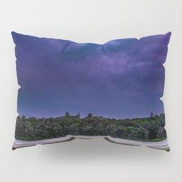 straddie storm Pillow Sham
