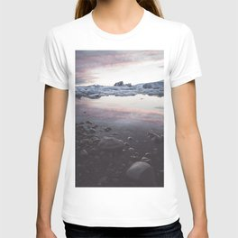 Jokulsarlon Lagoon - Sunset - Landscape and Nature Photography T-shirt