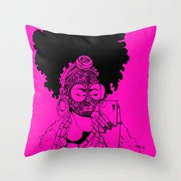 SELFIE QUEEN 1 P Throw Pillow