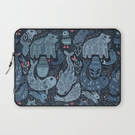 Arctic animals. Polar bear, narwhal, seal, fox, puffin, whale Laptop Sleeve
