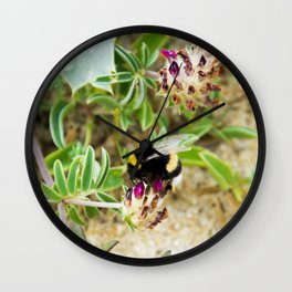 bumble bee on the dunes I Wall Clock