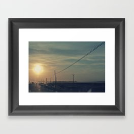 Anochece Framed Art Print