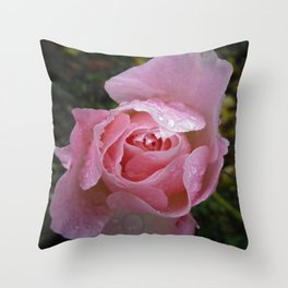 WATER DROPLETS ON PINK ROSE Throw Pillow