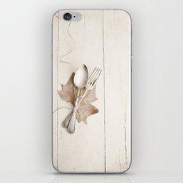 Cubiertos y hoja. iPhone Skin