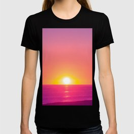 Ocean Sunset// Coastal Pacific Seascape Seashore Surf Orange and Blue Color Sky Beach Photography  T-shirt
