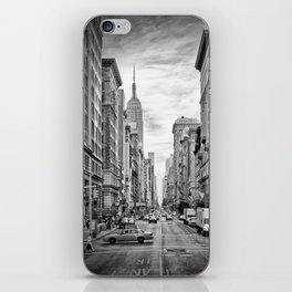 NEW YORK CITY 5th Avenue | Monochrome iPhone Skin