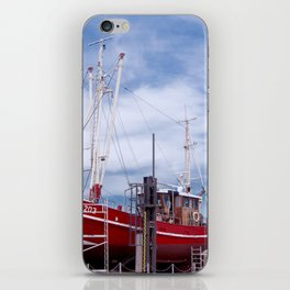 Ship maintenance in Neuharlingersiel iPhone Skin