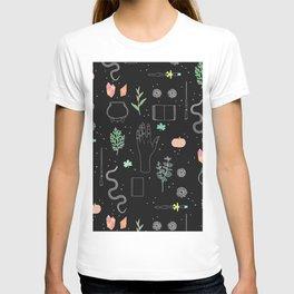 Witch Starter Kit: Potion - Illustration T-shirt