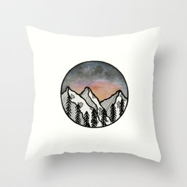 Three peaks I Throw Pillow