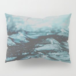 The Wave Pillow Sham