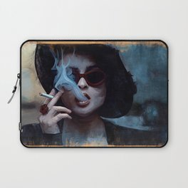 Marla Singer Smokes A Cigarette Behind Sunglasses - Fight Laptop Sleeve