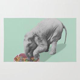 Gourmand elephant (animals collection) Rug