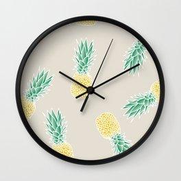 ananas za marinu 2 Wall Clock