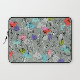 Crawling leaves Laptop Sleeve
