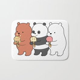 Baby Bears Eating Some Ice Cream Badematte
