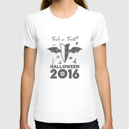 Halloween party label T-shirt