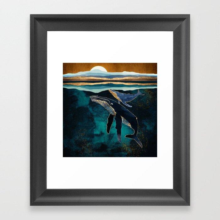 Moonlit Whales Gerahmter Kunstdruck
