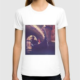"""Venice is like eating an entire box of chocolate liqueurs in one go.""  ― Truman Capote T-shirt"