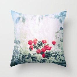 BLACKBERRIES AT THE BOATHOUSE 01 (everyday 09.01.2017) Throw Pillow