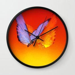 La rencontre des papillons de nuit Wall Clock