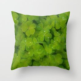 Oxalis leaves natural random pattern Throw Pillow