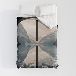 Nr. 8 | Numbers with a View | Typography Letter Art Duvet Cover