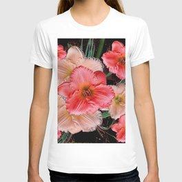 PINK & CREAM DAYLILIES BLACK ART T-shirt