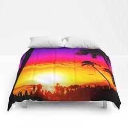 Sunset on Waikiki Comforters