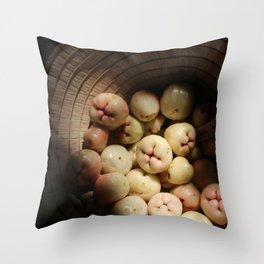Fruity nón lá Throw Pillow