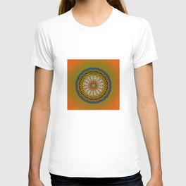 Round Colorful Design T-shirt