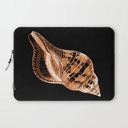 Shell nautical coastal in black background Laptop Sleeve