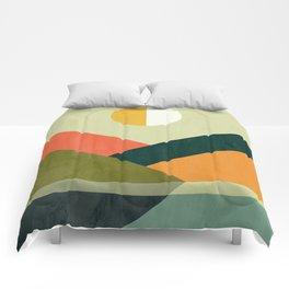 Hidden shore Comforters