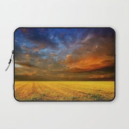 field, horizon, clouds, layers, veil, cloudy, bad weather Laptop Sleeve