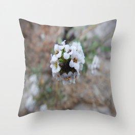 è quasi_primavera Throw Pillow