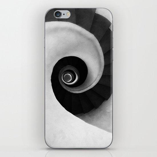 Minimal B&W IV iPhone & iPod Skin