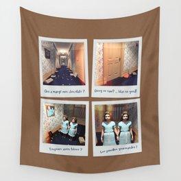 Jumelles et Chocolat Wall Tapestry