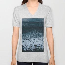Iceland waves and shapes - Landscape Photography Unisex V-Neck