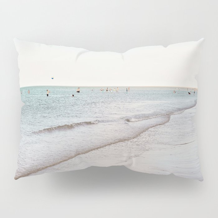 Beach day in Britain Pillow Sham